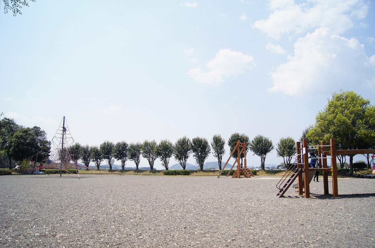 布施公園の全景
