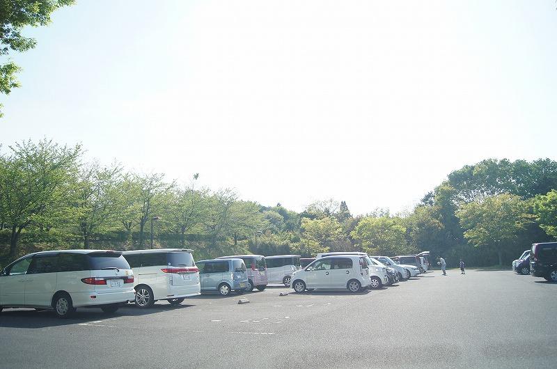 駐車場2つに分かれてあります。